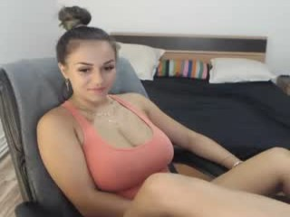 natashaboobs camgirl alone in kitchen