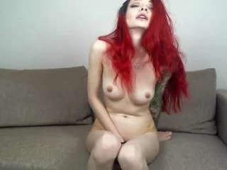 shackle_shot hot naked camgirl has a sexy belly