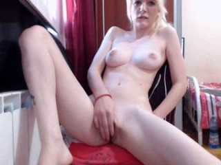 rosesarered97 rossan is a sexy latina camgirl