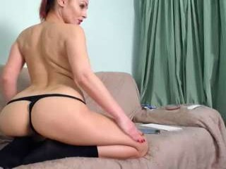 redlaylla rebel cutie plays soccer online