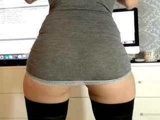 carmela_fox sexy camgirl plays hockey