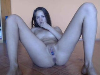 cute00kiara sexy naked camgirl with an axe