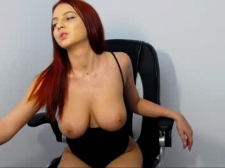 haileygrx blonde nude camgirl on a chair