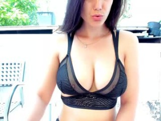 nickyplus camgirl alone in kitchen