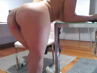 yhanais_secret39y naked blonde camgirl in a vineyard