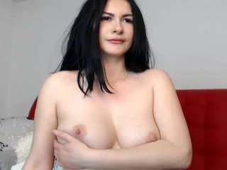 naughtyannye this camgirl is looking sexy