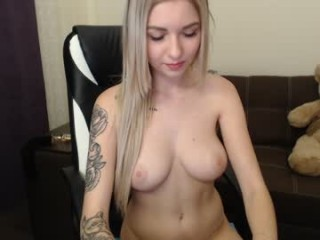 jaylee_kryss marlena shows off her hot body
