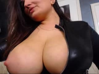 zyana camgirl loves playing with balloons