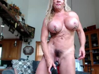 musclemama4u naked camgirl in front of mirror