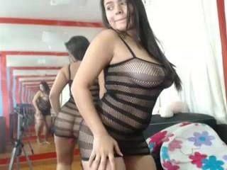 isabelhills sexy camgirl in a bikini