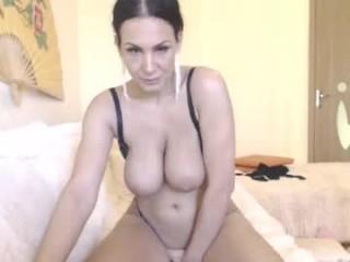 alisonya camgirl masturbates on a couch