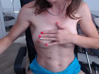 misstayaxxx girl gets into a hot lesbo threesome