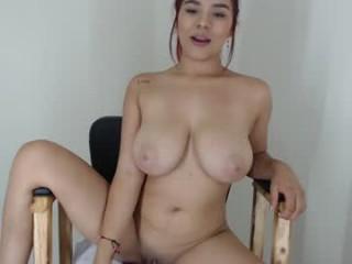 analiia_cox sexy blonde camgirl in leopard print
